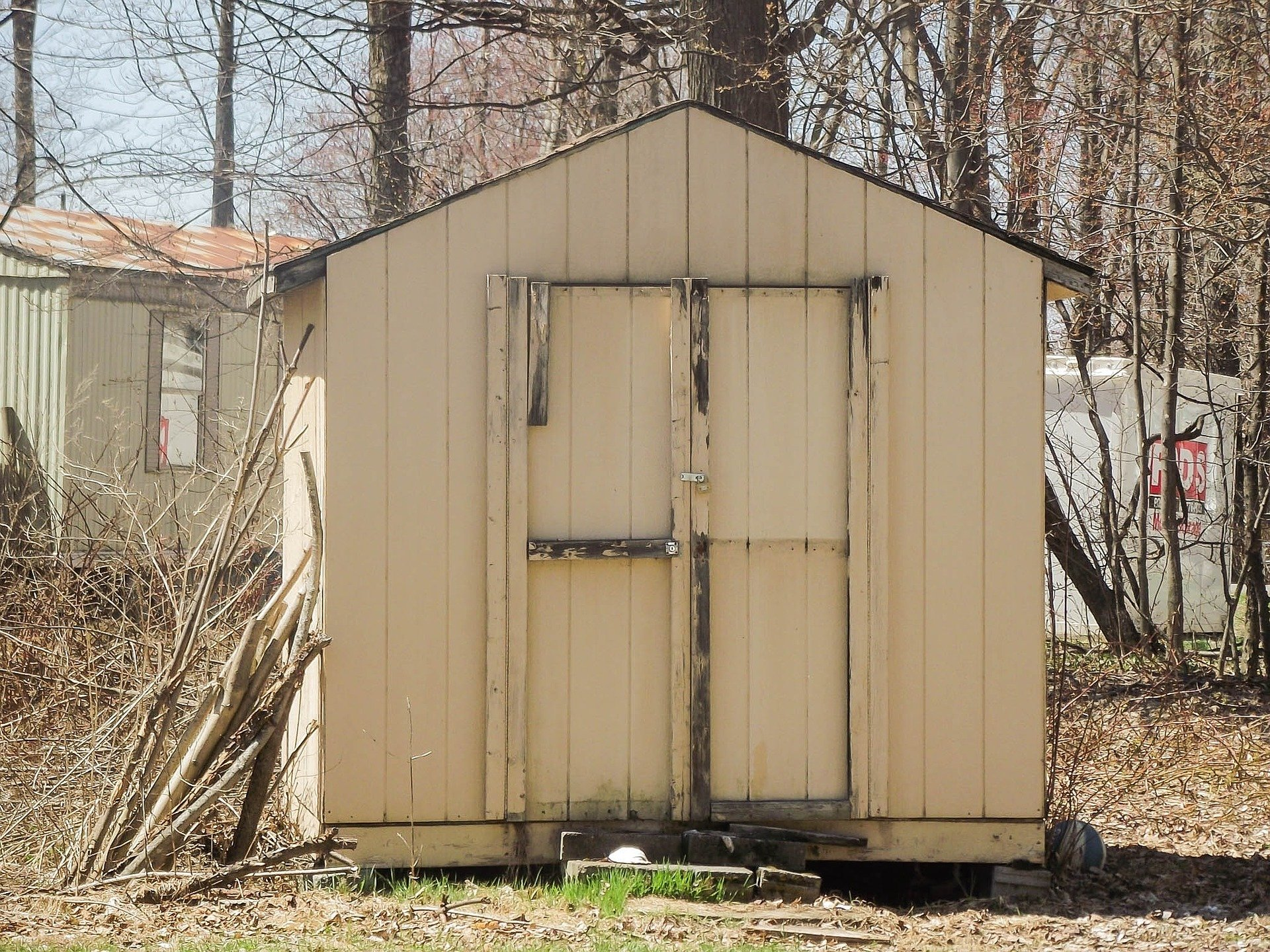 Dirty shed